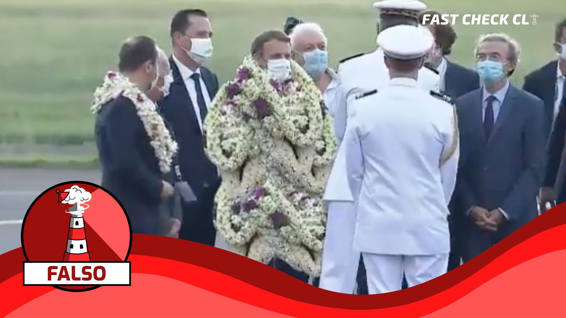 Read more about the article (Video) Emmanuel Macron cubierto completamente con collares de flores en su llegada a la Polinesia: #Falso