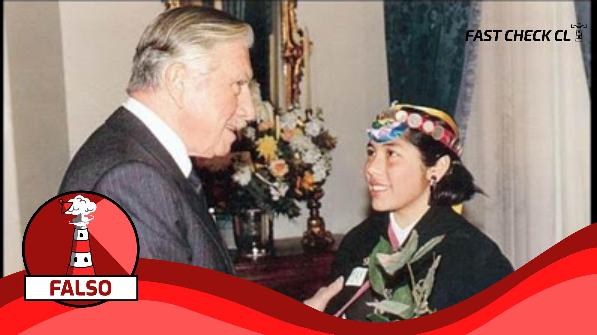 Read more about the article Fotografía de Elisa Loncon dándole la mano a Augusto Pinochet: #Falso
